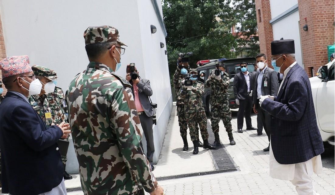 सर्वाेच्चको फैसला आउनै लाग्ला केपी ओलीले बोलाए सेनासहित राष्ट्रिय सुरक्षा परिषद्को बैठक