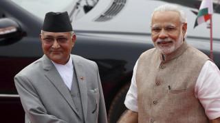 नेपालमा दुई छिमेकी : भारतले भ्याक्सिन दिँदै गर्दा चीनले नाकाबन्दी लगायो