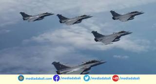 चीनसँग तनाबपछि  भारत शक्तिमान,  वायुसेनासँग पुग्याे राफेल लडाकु विमान
