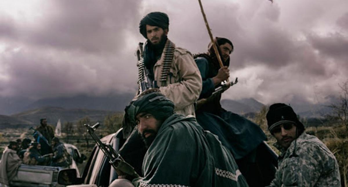अफगानिस्तानमा तालिबान सत्तापछि परिवार पाल्नका लागि इँटा बनाउने मजदुरी गर्दै पूर्वपत्रकार