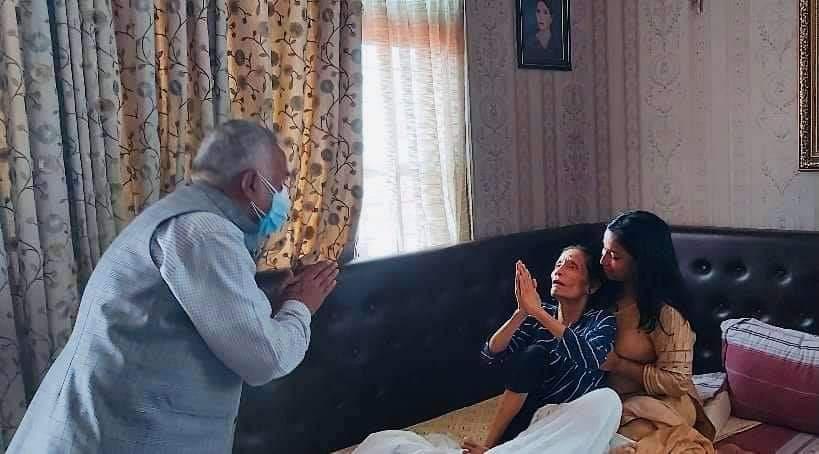रामचन्द्र पौडेल प्रचण्ड निवासमा, सीता दाहालको स्वास्थ्य अवस्थाबारे जानकारी
