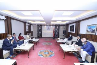 प्रधानमन्त्री देउवासँग एमसीसी उपाध्यक्षको भेटवार्ता